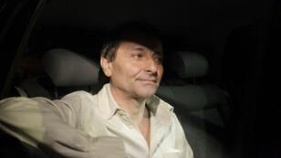 Cesare Battisti quitte la prison de Brasilia le 8juin2011, après que la Cour suprême brésilienne a soutenu la décision de l'ancien président Lula da Silva de ne pas l'extrader vers l'Italie.