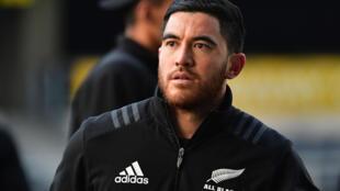 Le rugbyman néo-zélandais Nehe Milner-Skudder vêtu du maillot des All Blacks, le 22 juin 2018 à Dunedin