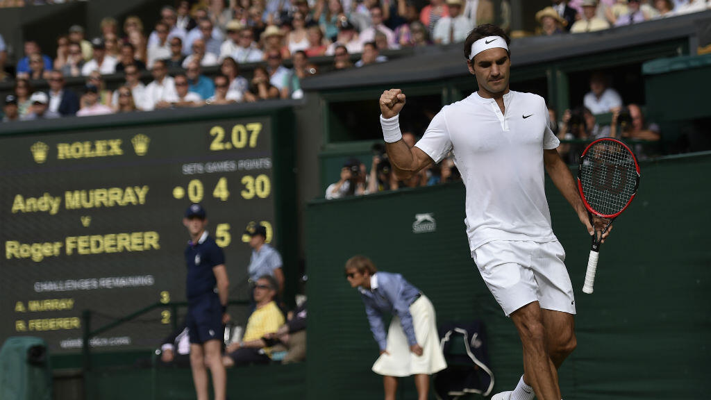 Roger Federer beats Andy Murray during their semi-final match in Wimbledon on July 10, 2015