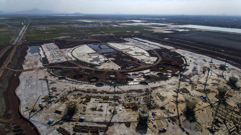 Vista aérea de las construcciones en el Aeropuerto Internacional de Texcoco. 6 de noviembre de 2018.