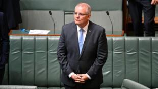 El primer ministro australiano, Scott Morrison, se presenta ante la Cámara de Representantes para entregar un discurso de perdón dedicado a los sobrevivientes que sufrieron abuso sexual infantil, en Canberra, Australia, el 22 de octubre de 2018.