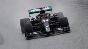 Le pilote Mercedes Lewis Hamilton vainqueur des essais qualificatifs du GP de Styrie sous la pluie, le 11 juillet 2020 à Spielberg