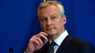 Le ministre de l'Economie Bruno Le Maire, lors d'une réunion sur le Covid-19, au ministère à Paris, le 3 mars 2020.