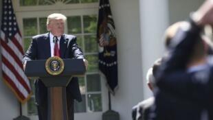 الرئيس الأمريكي دونالد ترامب خلال إعلان انسحاب بلاده من اتفاق باريس