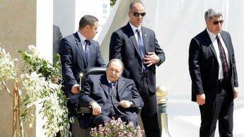 الرئيس الجزائري عبد العزيز بوتفليقة في أحدث ظهور له في 9 أبريل/نيسان 2018.
