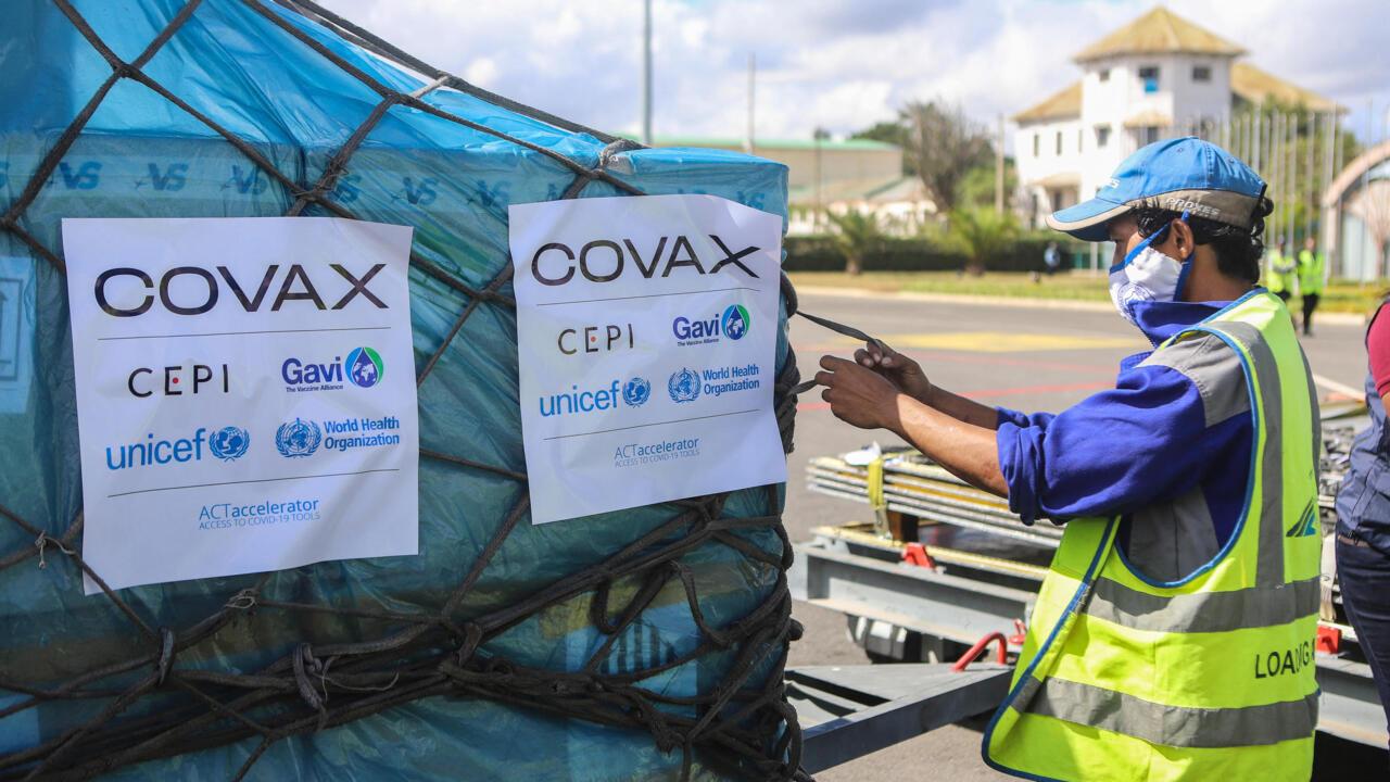 Covid-19 : la France va attribuer plus de 5 % de ses doses de vaccins au dispositif Covax