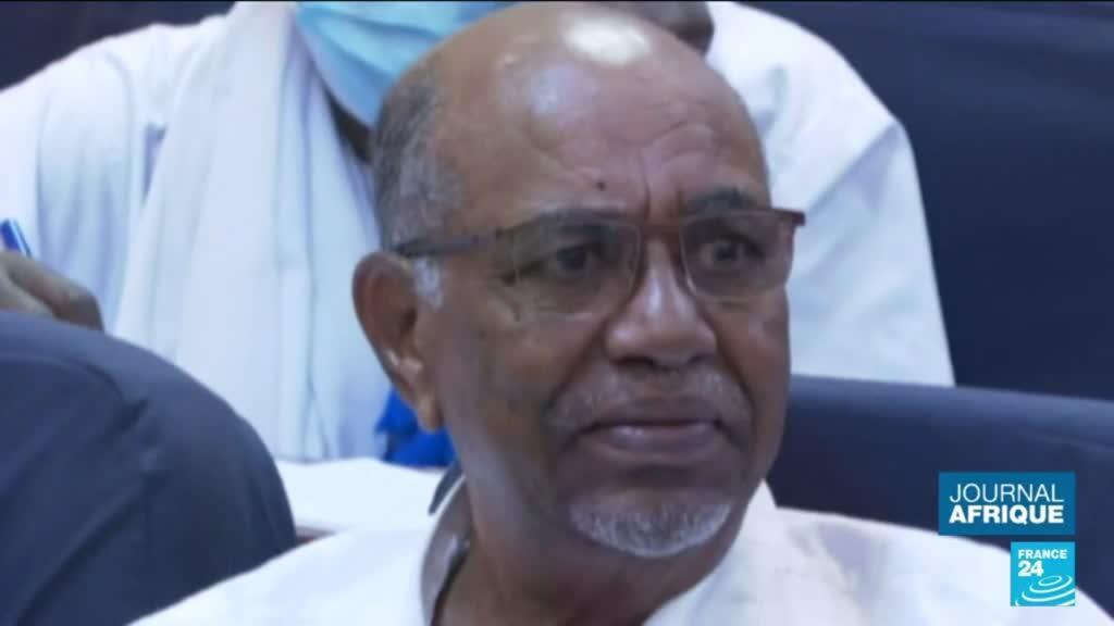 """2021-08-11 22:50 Le Soudan va remettre à la CPI Omar el-Béchir, recherché pour """"génocide"""" au Darfour"""