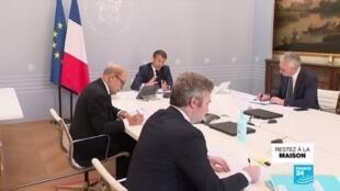 """2020-04-24 12:08 """"Il faudra des dispositifs pour accompagner"""" la reprise de l'activité, affirme Macron aux acteurs du tourisme"""