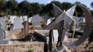 Carré musulman du cimetière de Thiais
