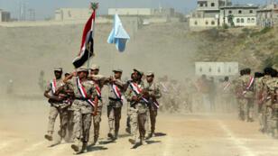 Des forces loyales au président Abd Rabbo Mansour Hadi lors d'une cérémonie de fin de promotion, le 17 janvier 2018.