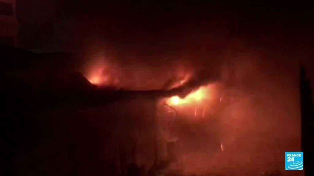 2021-07-13 14:38 Iraquíes denuncian negligencia ante el incendio en un hospital para pacientes de Covid-19