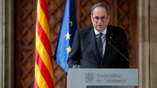 El presidente del Gobierno catalán, Quim Torra, comparece ante la prensa en el Palau de la Generalitat, en Barcelona, el 19 de diciembre de 2019.