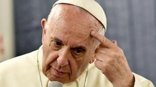 Le pape en conférence de presse, lors de son voyage de retour du Pérou et du Chili
