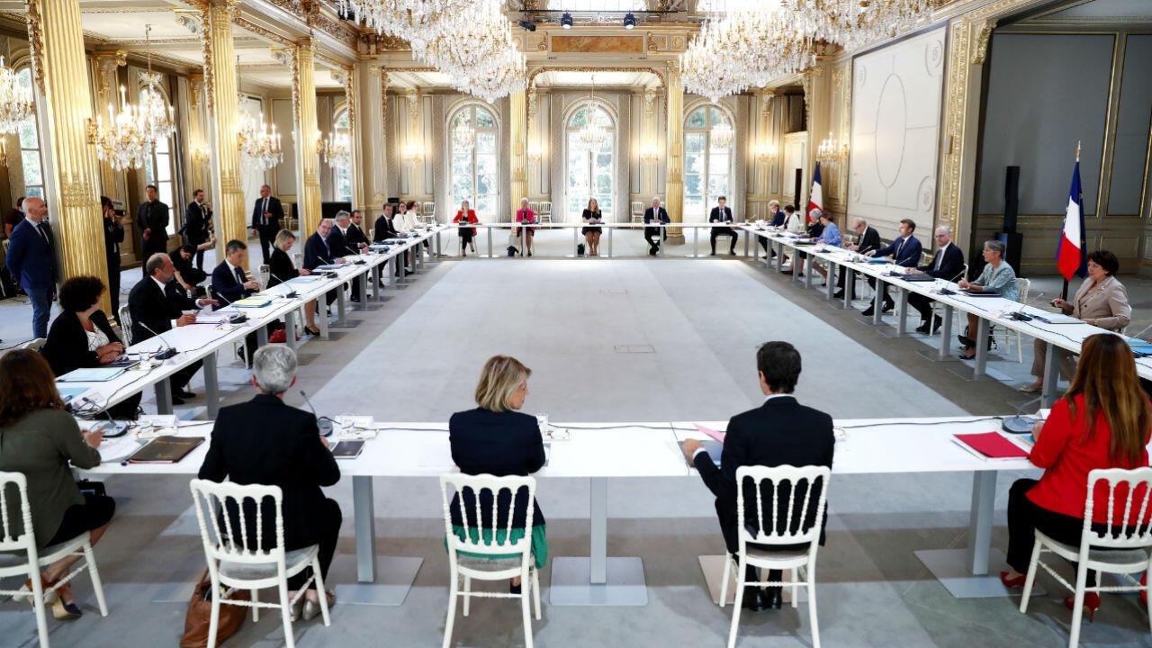 Au lendemain de l'annonce de la composition du gouvernement, le président Emmanuel Macron a réuni le Conseil des ministres à l'Élysée le 7 juillet 2020.