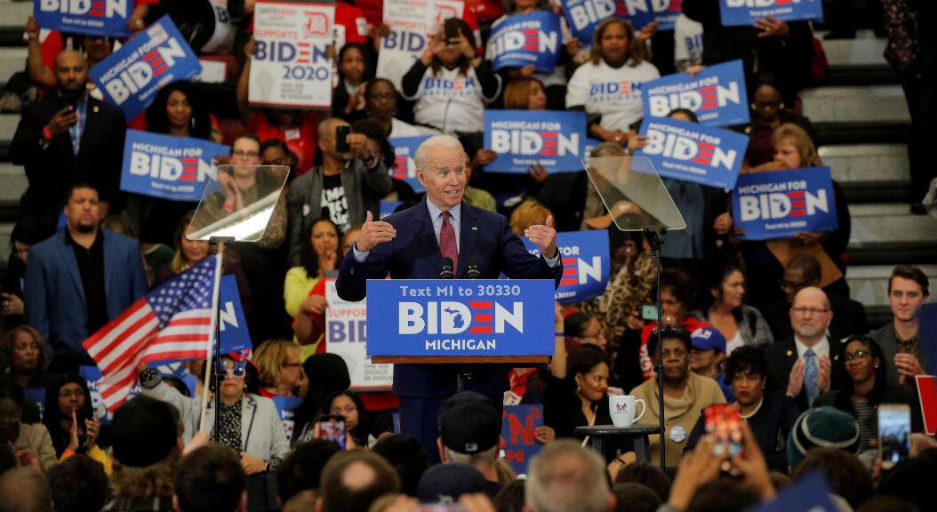 El precandidato presidencial por el partido demócrata, Joe Biden, durante un mitin político, en Detroit, Michigan, Estados Unidos, el 9 de marzo de 2020.