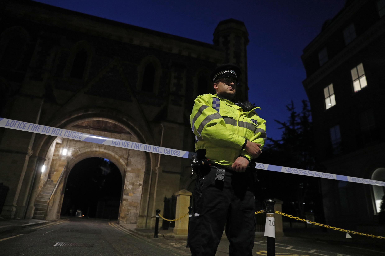 La policía cerró la escena de un 'incidente grave' en la ciudad de Reading, en el sur de Inglaterra.
