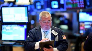 Un courtier à Wall Street, le 19 mars 2020