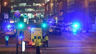 Au moins 22 personnes, dont des enfants, sont mortes, à l'Arena de Manchester, dans la nuit du 22 au 23 mai.