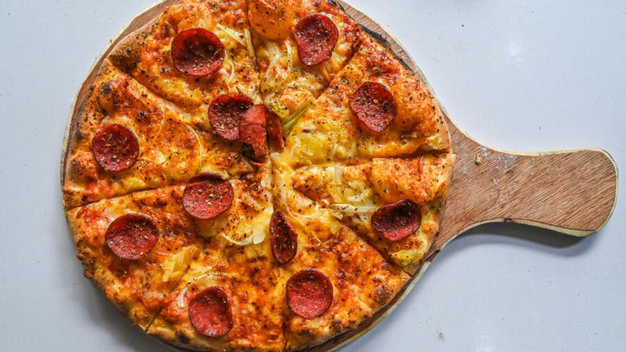 Swedish prisoners take guards hostage, demand pizza as ransom - France 24