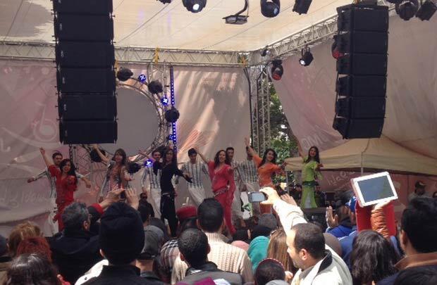 التونسيون يقولون لا للإرهاب بالرقص - صورة عماد بنسعيد - تونس 20150320