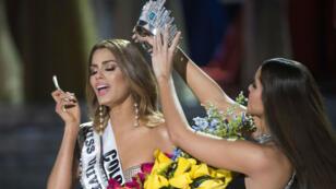 La Miss Colombie est couronnée accidentellement Miss Univers 2015.