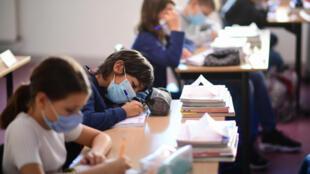 RENTREE - PARIS - SCHOOLS - MASKS - COVID