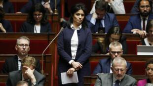 La députée de la Manche Sonia Krimi fait partie des voix de la majorité qui demandent au gouvernement d'entendre les Gilets jaunes.