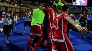 La joie des Tunisiens à l'issue de leur victoire aux tirs au but contre le Ghana à Ismaïlia, le 8 juillt 2019