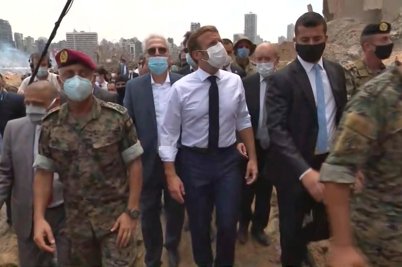 El presidente Emmanuel Macron durante su visita al puerto de Beirut el 6 de agosto de 2020.