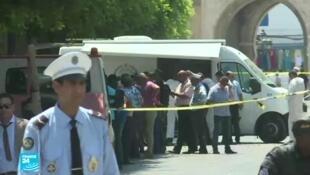 شارع الحبيب بورقيبة في تونس العاصمة بعد التفجيرين الانتحاريين