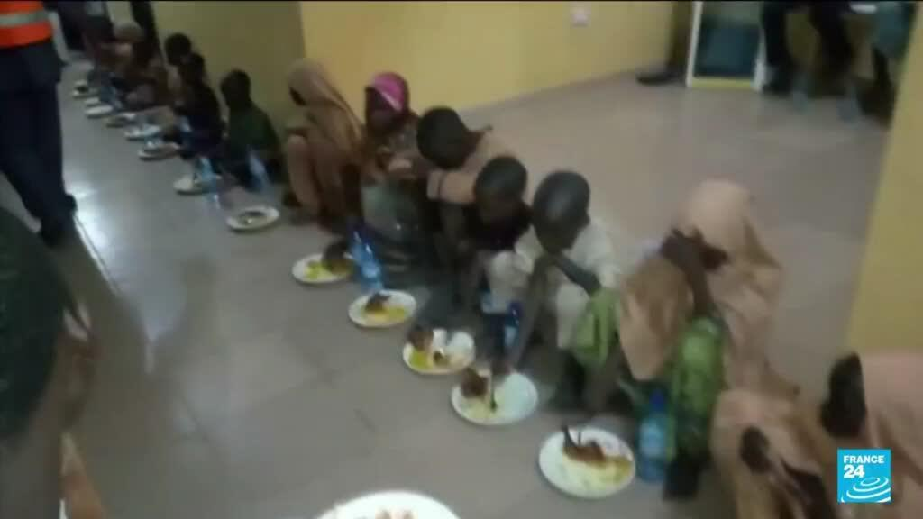 2021-08-27 12:11 Nigeria kidnappings: Gunmen free dozens of schoolchildren
