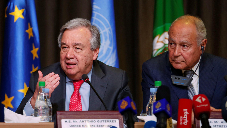 El Secretario General de las Naciones Unidas, Antonio Guterres, junto al Secretario General de la Liga Árabe, Ahmed Aboul Gheit, durante una rueda de prensa en Túnez, el 30 de marzo 2019.