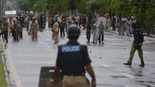 Manifestants anti-gouvernementaux aux alentours de la maison du Premier ministre à Islamabad, le 1er septembre.
