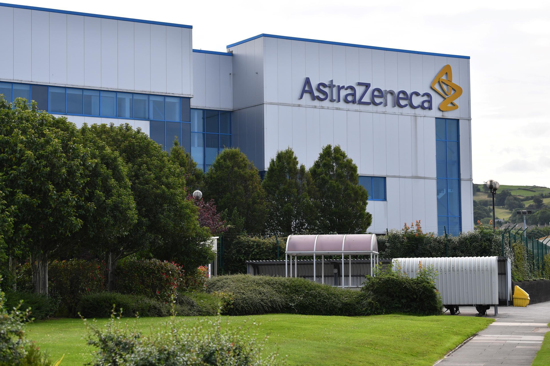 AstraZeneca reanuda los ensayos de la vacuna Covid-19 en Reino Unido y también desarrolla ensayos en Brasil.