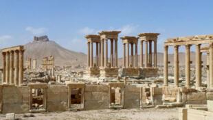Le Tétrapyle à Palmyre en Syrie, le 27 mars 2016, après la reconquête du site antique par l'armée syrienne.