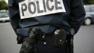 A French police officer.