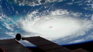 El huracán Dorian se ve desde la Estación Espacial Internacional el 1 de septiembre de 2019 en una imagen fija obtenida de un video.