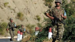جنود من الجيش الجزائري