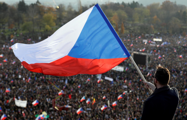 Mobilisation contre la corruption du gouvernement à Prague, le 16 novembre 2019.