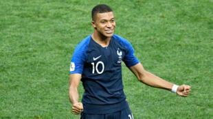 Derrière la joie de la victoire des Bleus au Mondial, il y a des enjeux économiques importants.