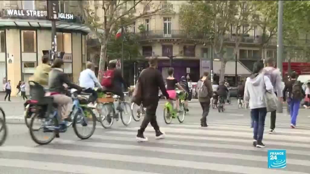 Journée sans voiture à Paris : la crise a modifié les habitudes de déplacement des Français