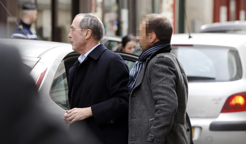 """L'ancien ministre de l'Intérieur Claude Guéant a été mis en examen, le 7 mars 2015, pour """"faux"""" et """"blanchiment""""."""