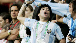 2020-11-25T164155Z_1336379255_RC2GAK9TS2IA_RTRMADP_3_SOCCER-WORLDCUP-ARG-NLD