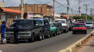 Drivers queue at a gas station in Maracaibo, Venezuela, amid the coronavirus epidemic in July 2020