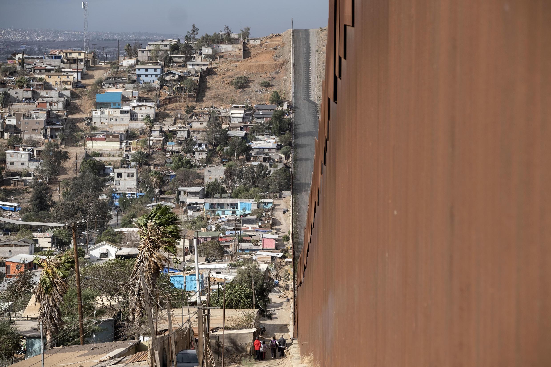 Biden se comprometió a buscar la regularización de millones de migrantes sin papeles, entre ellos una importante cantidad de mexicanos
