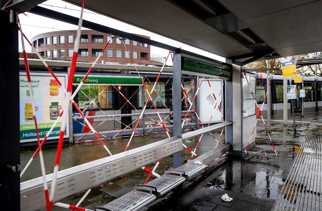 Daños en las cabinas de tranvía en Rotterdam, Países Bajos, el 26 de enero de 2021.