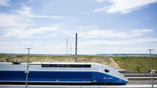 Chaque TGV coûte 30 millions d'euros