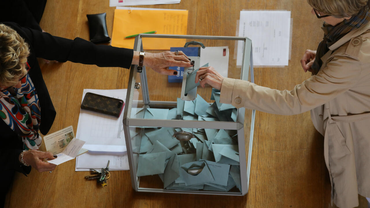 Colegio electoral en Le Touquet, al noreste de Francia.