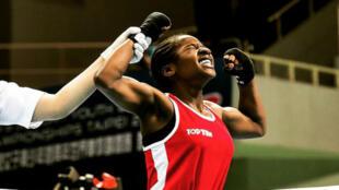 Johanna Wonyou après sa victoire aux championnats du monde cadettes de boxe anglaise à Taïpei (Taïwan) en mai 2015.