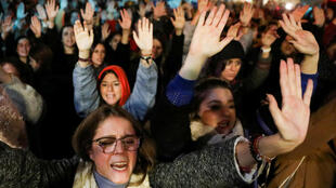 المدافع عن الحقوق في إسبانيا يدين أعمال العنف ضد القاصرين الأجانب